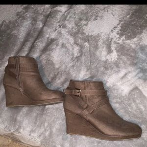 Tan brown ankle boots